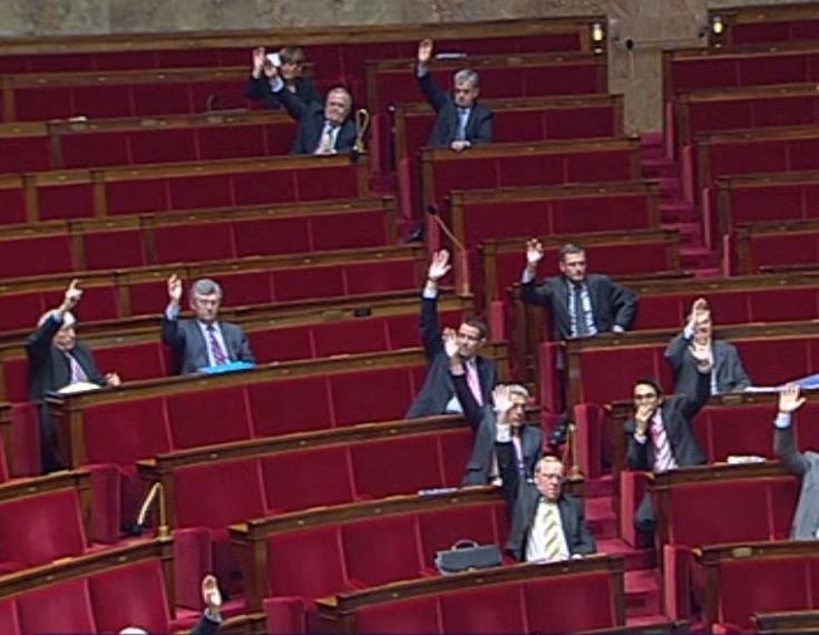 Les rangs de l&#039;UMP au moment du vote final du texte<br /> issu de la Commission Mixte Paritaire.