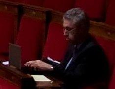 Manuel Aeschlimann et son ordinateur en seance